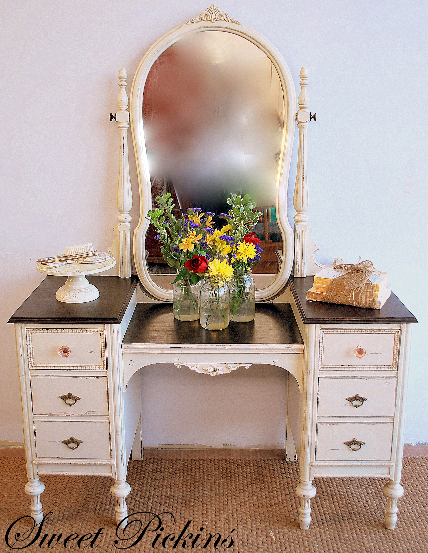 Painted Vanity Furniture: {Before & After} – Refinished Antique Vanity